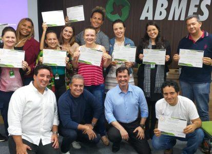 """Entrega de certificados """"Mindfulness no desenvolvimento da Inteligência Emocional"""""""